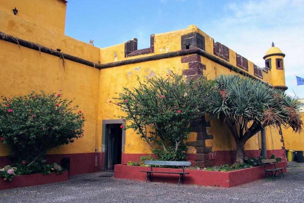 Even if you don't go inside, Forte de São Tiago is very picturesque.
