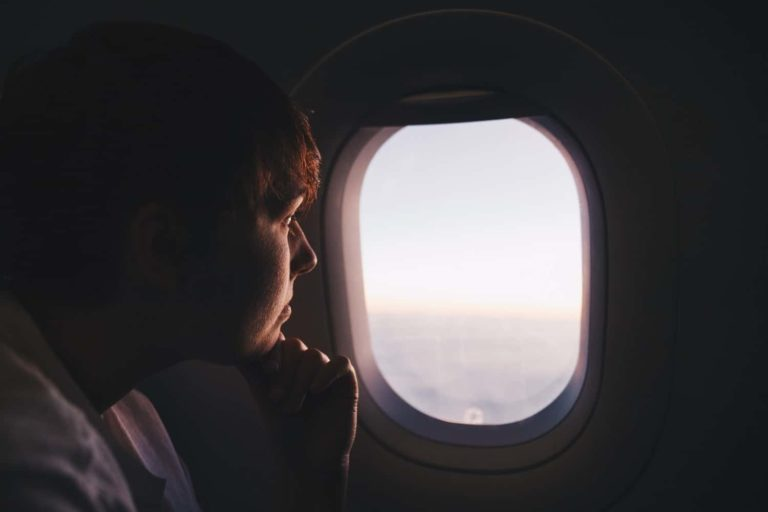 How to Overcome Your Fear of Flying: 21 Essential Tips